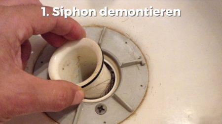 Siphon in Dusche abmontieren zur Reinigung